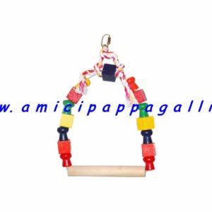 gioco altalena colorata per far giocare i pappagalli, con posatoio in legno